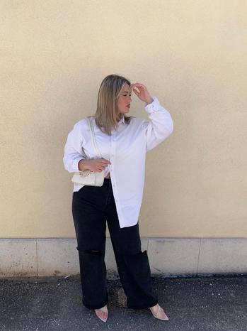 creator Giulia Saverino being photographed