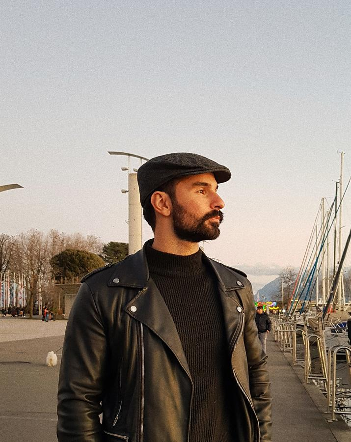 travel creator Taylan Ciltenli being photographed