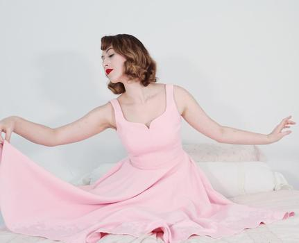 actor creator Samantha Golden Raskin being photographed