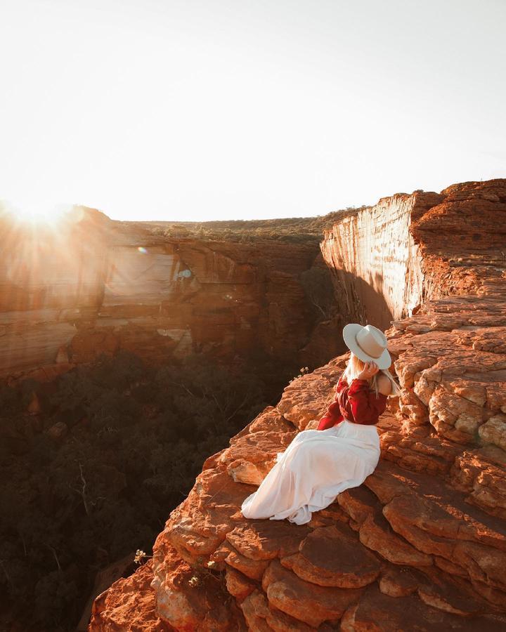 travel creator Amandine Clark  being photographed