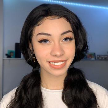 Youtube  creator Arielle Tara being photographed