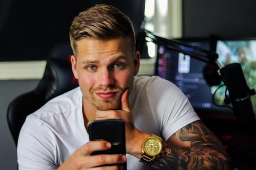 YouTube  creator Steffen Ernst being photographed