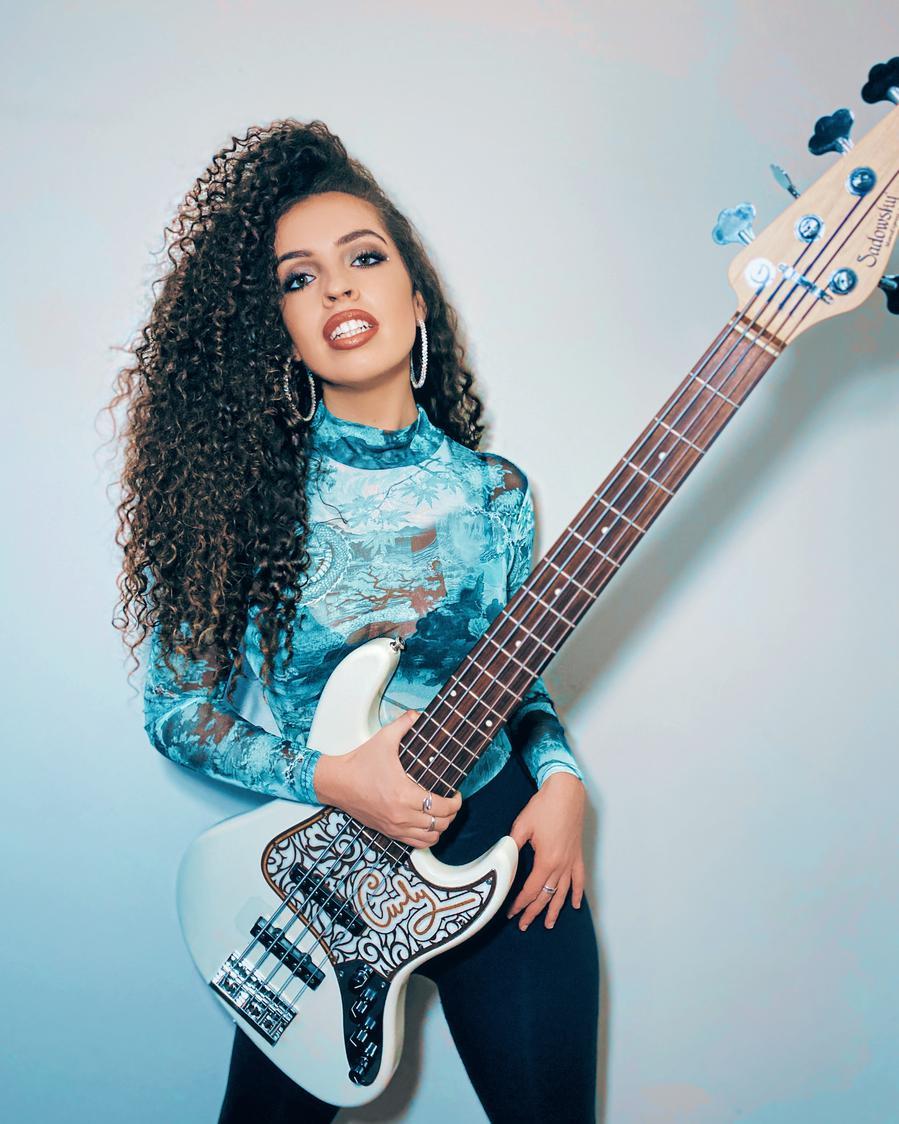 Photo of Curly Hendo