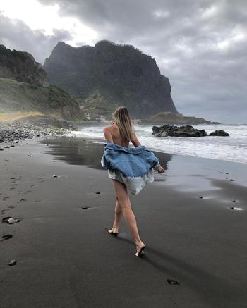 travel creator Arina Orlova being photographed