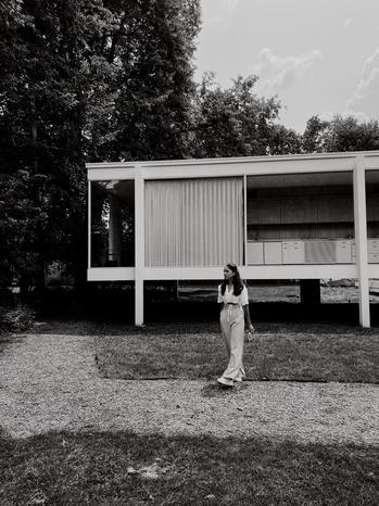 fashion creator Fernanda Campillo Vivanco being photographed