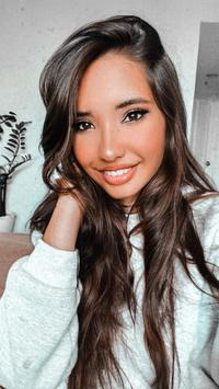 Photo of Sabina Ruzmetov
