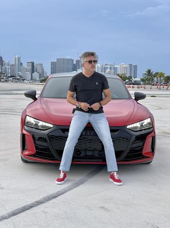 Instagram  creator Al Vazquez being photographed