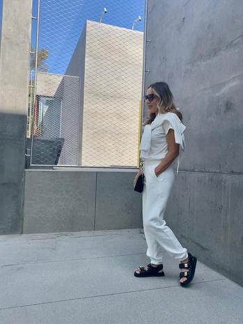Instagram  creator Elissa Fonseca being photographed