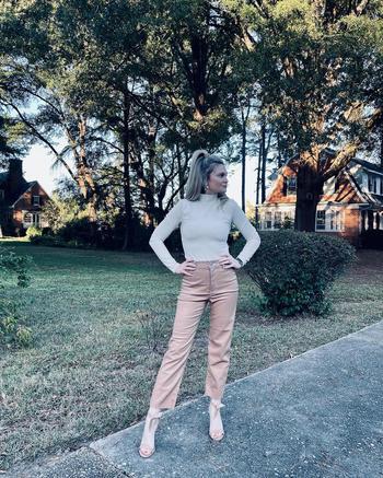 instagram  creator Brandi Wright being photographed